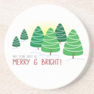 Navidad de los árboles felices y brillantes de I y Posavasos Cerveza