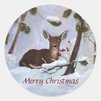 Navidad de los ciervos de la baya del acebo pegatina redonda