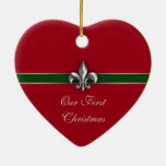 Navidad de los pares de la flor de lis primer adorno de cerámica en forma de corazón