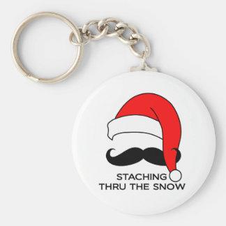 Navidad del bigote - Staching a través de la nieve Llavero Redondo Tipo Pin