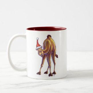 Navidad del camello taza de dos tonos