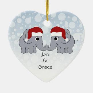 Navidad del elefante adorno de cerámica en forma de corazón