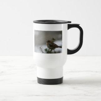 Navidad del gorrión taza