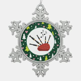 Navidad del instrumento de música de las gaitas adorno de peltre en forma de copo de nieve