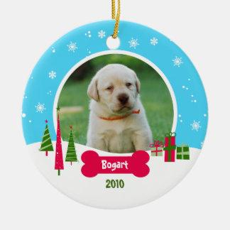 Navidad del perro/del perrito - país de las adorno navideño redondo de cerámica