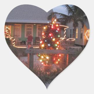 Navidad del tema de la playa pegatina en forma de corazón