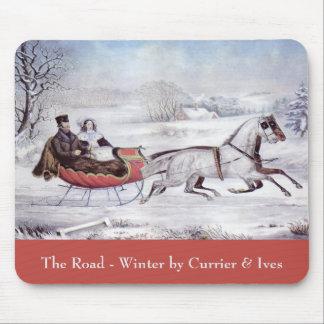 Navidad del vintage, el invierno del camino, mousepad