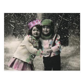 Navidad del vintage mejores amigos en los esquís tarjeta postal