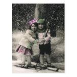 Navidad del vintage, mejores amigos en los esquís postales
