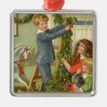 Navidad del vintage, niños del Victorian que Adorno Cuadrado Plateado