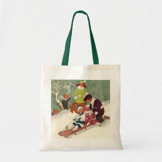 Navidad del vintage, niños Sledding en la nieve