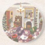 Navidad del vintage que envuelve presentes en sala posavaso para bebida