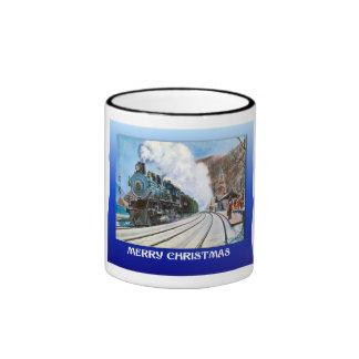 Navidad del vintage, tren en una estación nevosa taza de dos colores