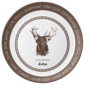 Navidad dibujado mano de los ciervos que saluda la plato de cerámica