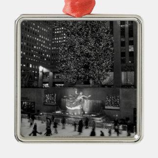 Navidad en el centro de Rockefeller y los Adorno Cuadrado Plateado