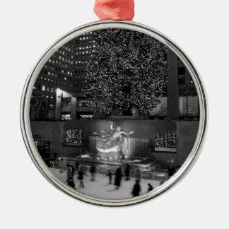 Navidad en el centro de Rockefeller y los Adorno Redondo Plateado