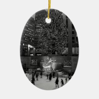 Navidad en el centro de Rockefeller y los Adorno Ovalado De Cerámica
