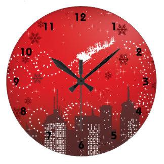 Navidad en el personalizable de la ciudad urbano reloj redondo grande