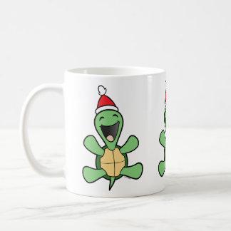 Navidad feliz de la tortuga taza clásica