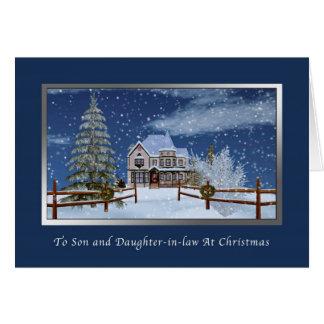 Navidad, hijo y nuera, escena del invierno tarjeta de felicitación