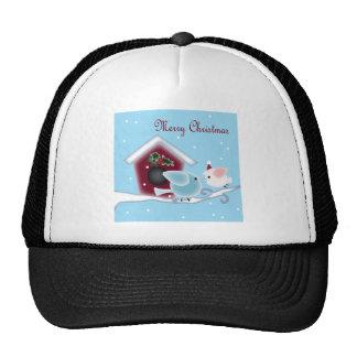 Navidad lindo que besa pájaros debajo de muérdago gorra