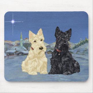Navidad negro de trigo de los escoceses alfombrillas de ratón