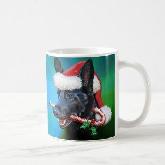 Navidad negro del pastor alemán taza clásica