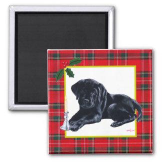 Navidad negro del perrito de Labrador y del gorra  Imán Cuadrado
