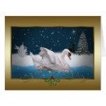 Navidad, noche Nevado con un cisne en un lago Felicitacion