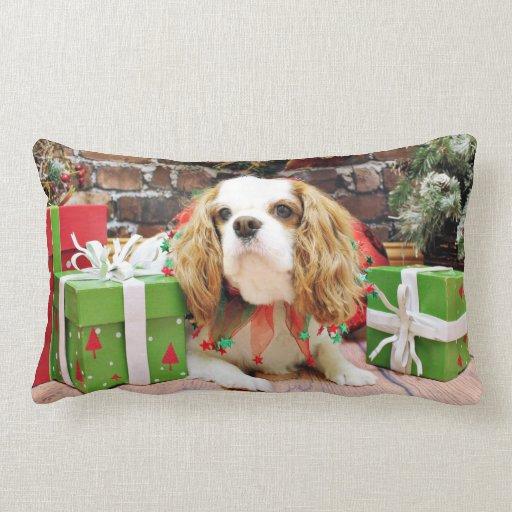 Navidad - perro de aguas de rey Charles arrogante  Almohada