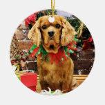 Navidad - perro de aguas de rey Charles arrogante Adorno Redondo De Cerámica