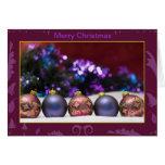 Navidad púrpura y ornamentos azules tarjetas