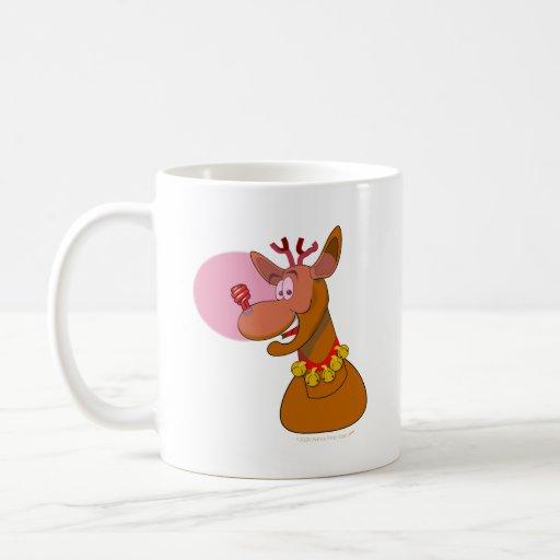 Navidad rojo del reno respetuoso del medio taza básica blanca