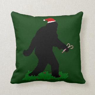 Navidad Squatchin Cojín Decorativo