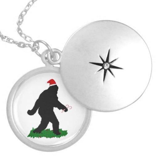 Navidad Squatchin Pendiente