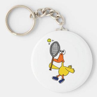NC pato divertido que juega a tenis Llavero Redondo Tipo Pin