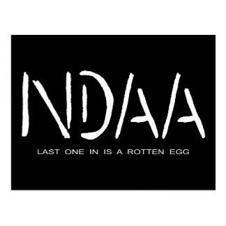 NDAA - El último uno adentro es un huevo Tarjetas Postales