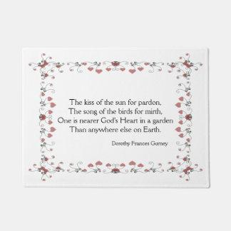 Nearer God's Heart Garden Quote Doormat
