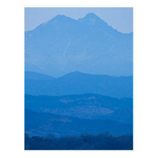 Neblina azul Layers.jpg de los picos gemelos de Tarjetas Postales