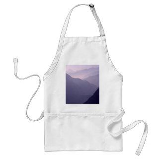 Neblina de las montañas de Smokey Delantales