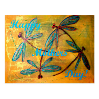Neblina feliz de la libélula del día de madres postal
