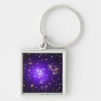 Neblina púrpura de estrellas en la noche llavero personalizado