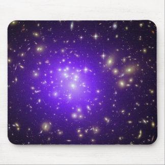 Neblina púrpura de estrellas en la noche alfombrilla de raton