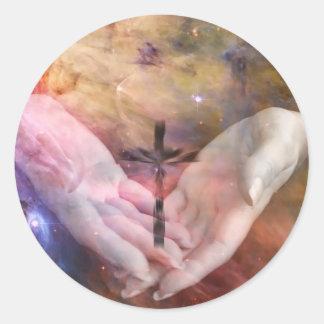 Nebulosa con la cruz pegatina redonda