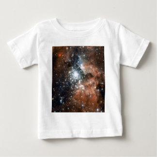 Nebulosa de la emisión de Ngc 3603 Playera De Bebé