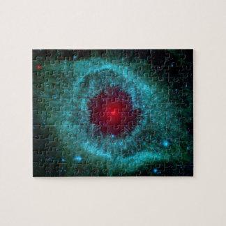 Nebulosa de la hélice, estrellas hermosas en la rompecabeza con fotos