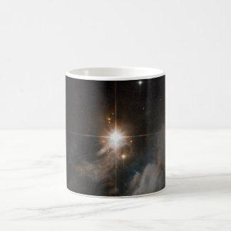 Nebulosa de reflexión IRAS 10082-5647 Taza De Café