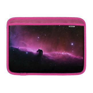 Nebulosa del caballo en el aire de Macbook Fundas MacBook