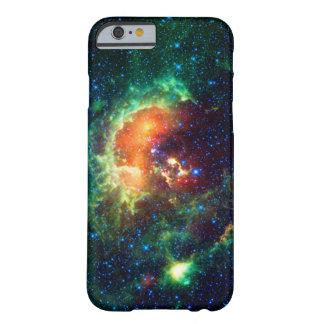 Nebulosa del Tadpole, constelación del auriga Funda Para iPhone 6 Barely There