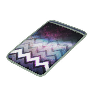 Nebulosa saturada color de la galaxia con los galo funda para macbook air